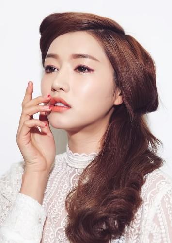 5fc5c74abb865271060001c26118e1c1--korean-make-up-korean-style
